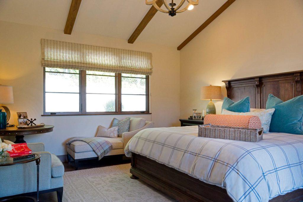 La Cañada Blvd house bedroom interiors
