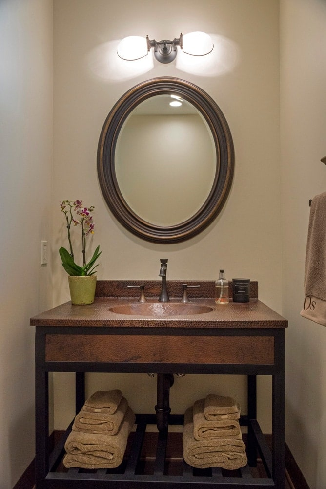Elegant sink design of a La Cañada Blvd house