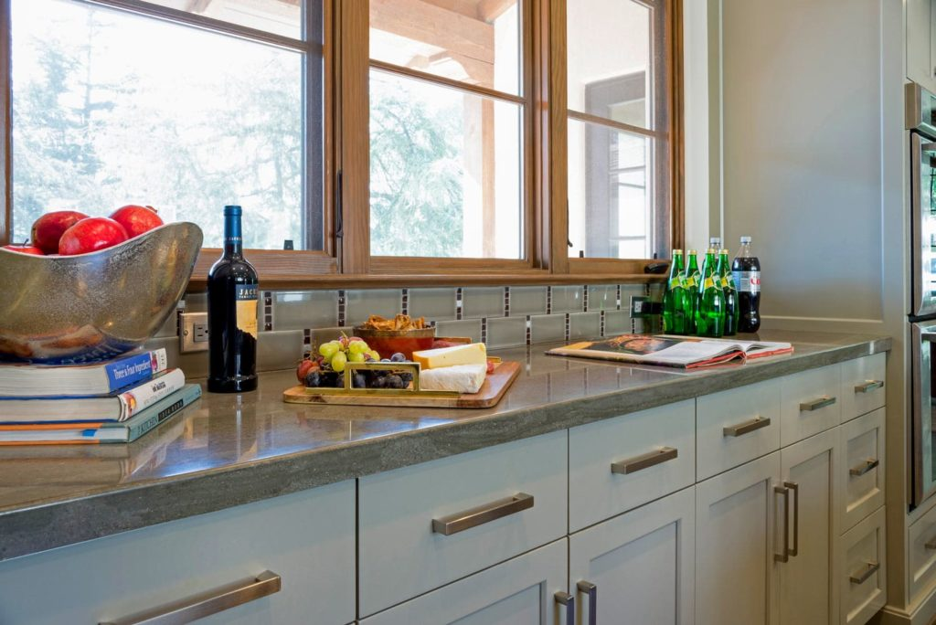 Kitchen side cabinet design of a La Cañada Blvd house
