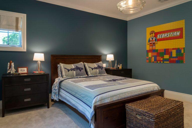 Interior design of a boy's bedroom in a Berkshire home, La Cañada