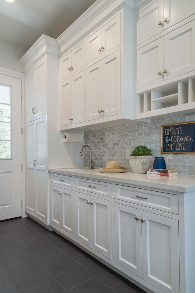 Laundry mudroom interior design of a Berkshire home, La Cañada