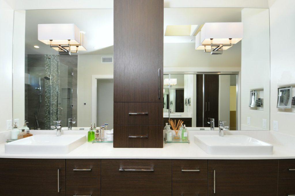 Bathroom vanity design of a house in Glendale, CA