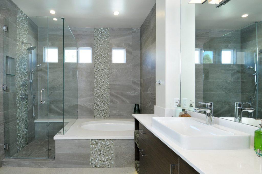 Luxury master bath design in Glendale, CA