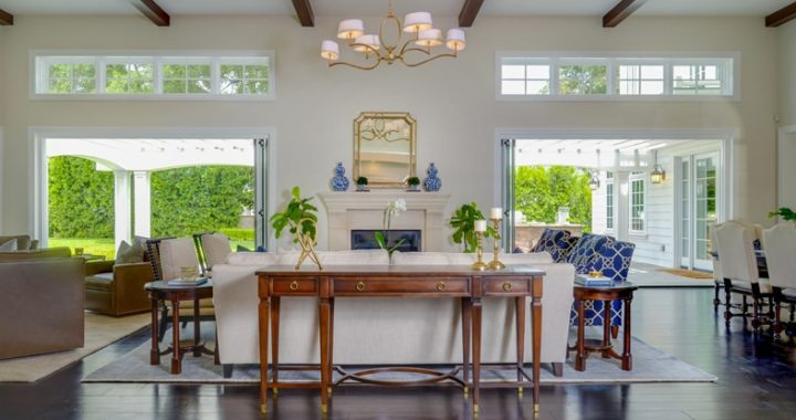 La Cañada's gorgeous living room interior design