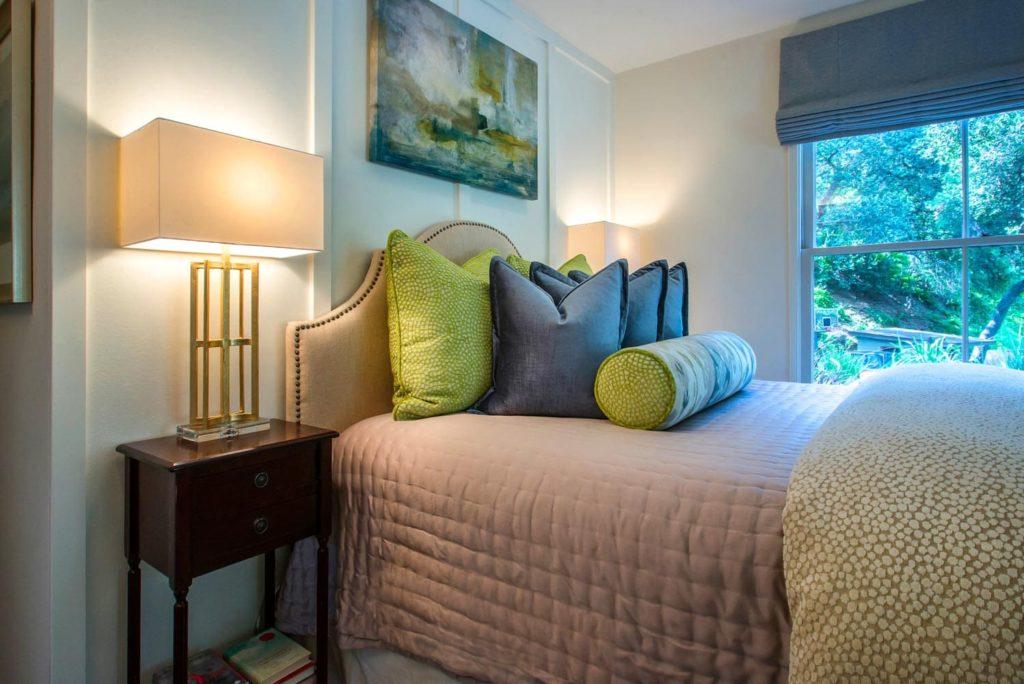 Guest house custom pillow design at Kings Road, La Cañada