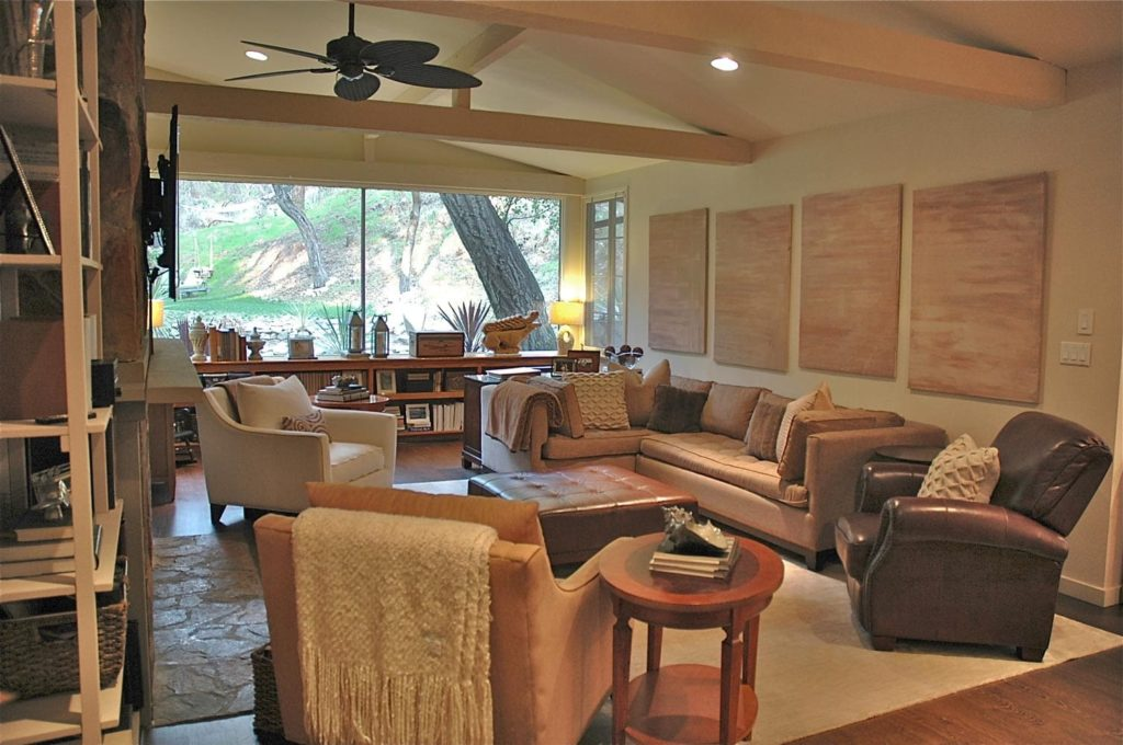 Guest house interiors for living room at Kings Road, La Cañada