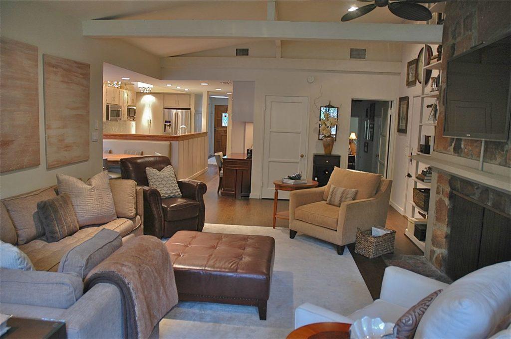 Guest house living room interior design at Kings Road, La Cañada