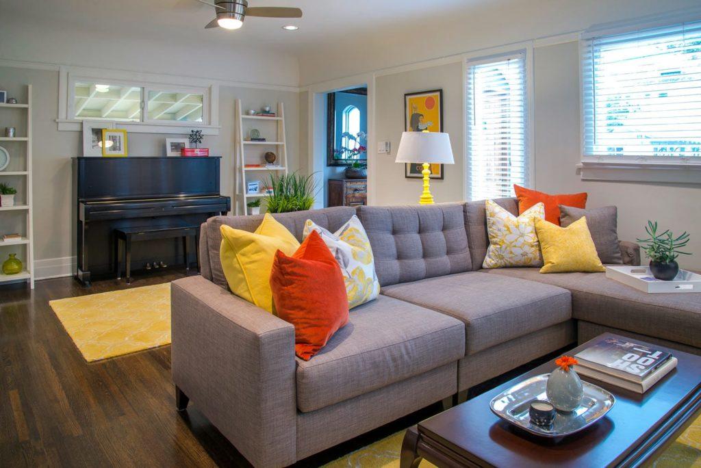 Bungalow living room interior design, Los Angeles