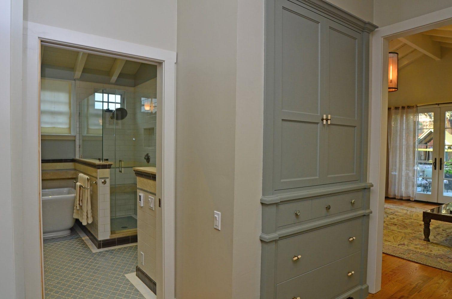 Hallway interior design in Verdugo Woodlands, CA