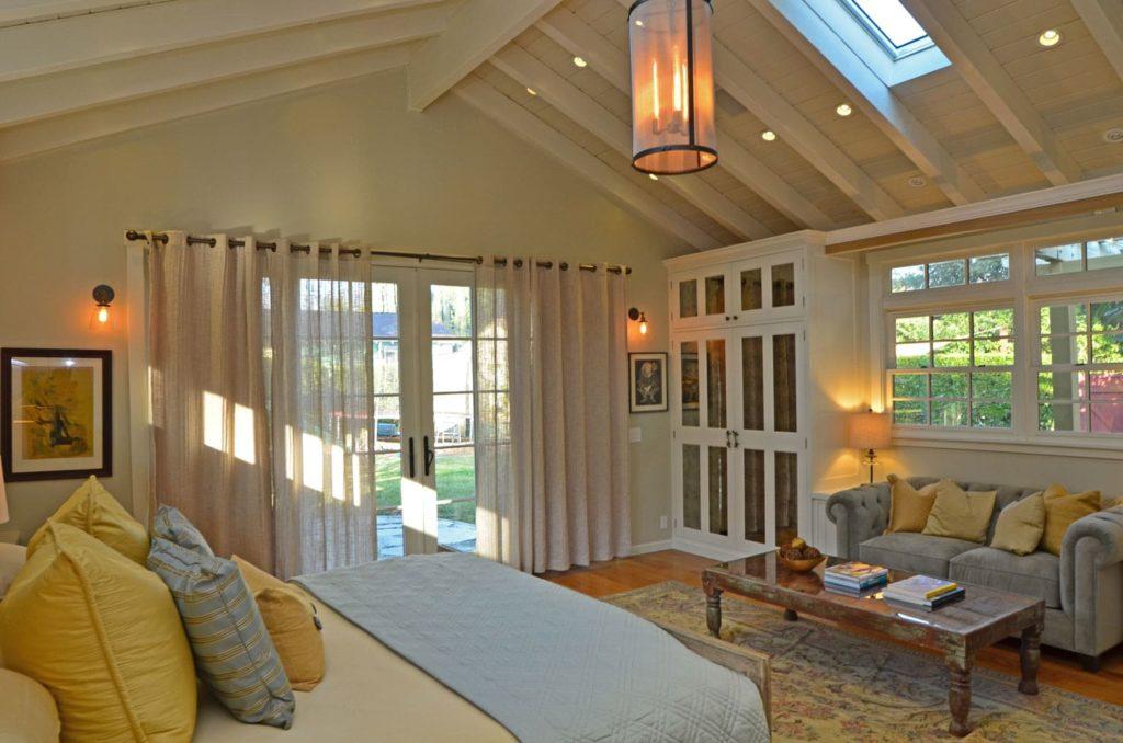 Luxury master bedroom design Verdugo Woodlands, CA